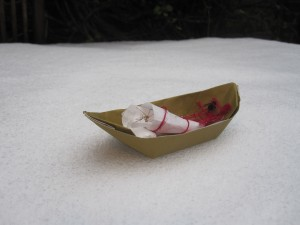 Marlowe's longboat (CC-BY-SA-3.0 Steve Cook)