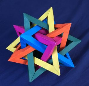Compound of five tetrahedra [CC-BY-SA-3.0 Steve Cook]
