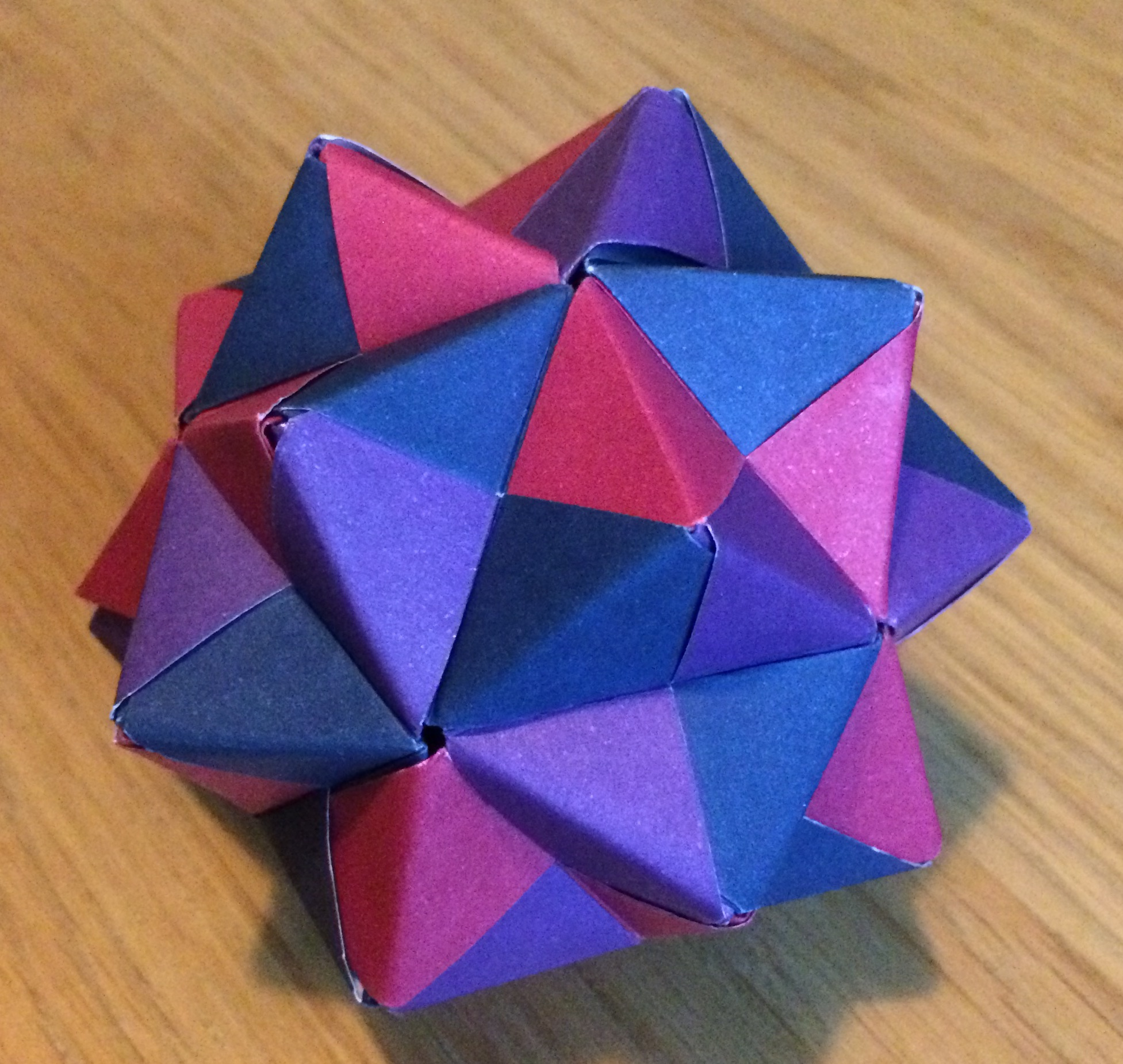 Modular origami polypompholyx cumulated icosahedron sonobe cc by sa 30 steve cook jeuxipadfo Gallery