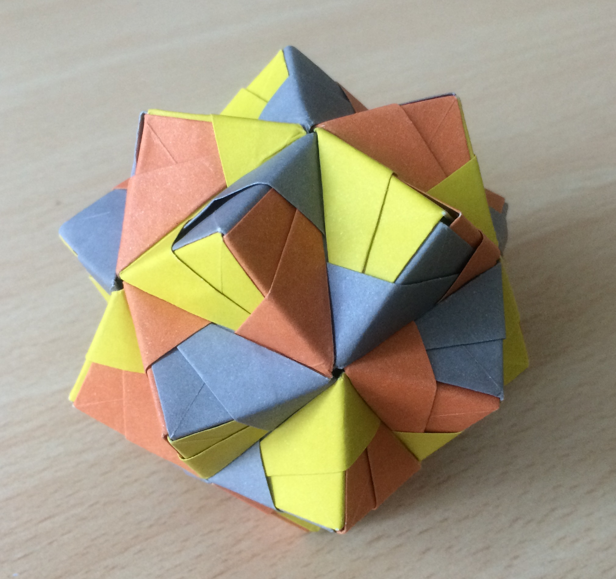 Modular origami polypompholyx cumulated icosahedron sonobe variant cc by sa 30 steve cook mightylinksfo