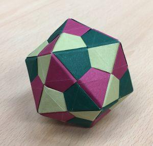 Icosahedron (triangle edge) [CC-BY-SA-3.0 Steve Cook]