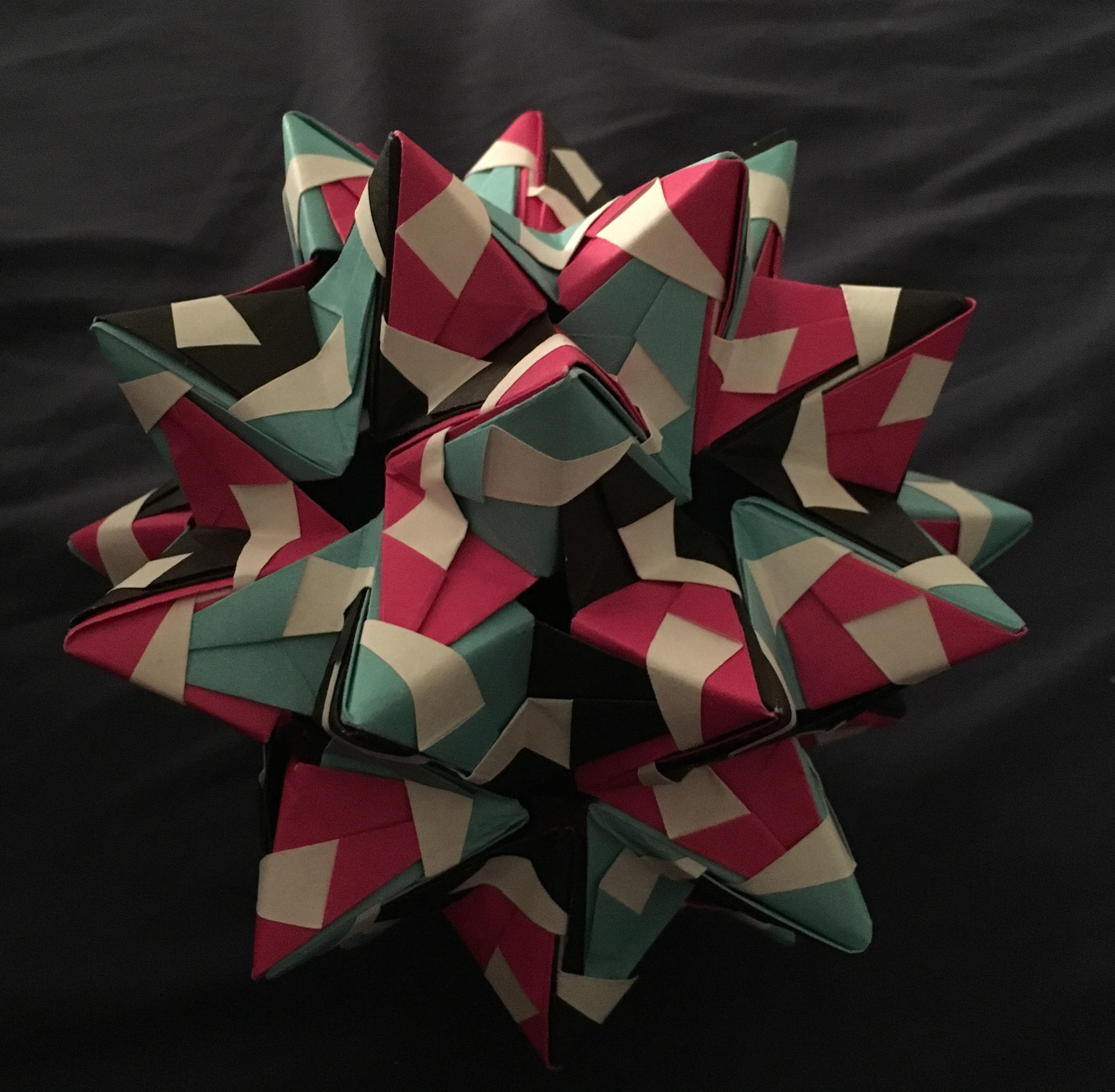 Modular origami – Polypompholyx | 2702x2760