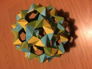 Truncated icosahedron (phizz) [CC-BY-SA-3.0 Steve Cook]